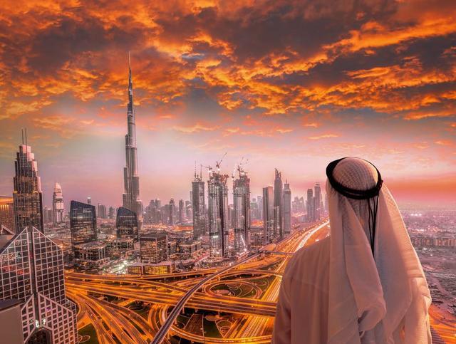 """迪拜用""""放大思維"""",賺了全世界人民的錢"""