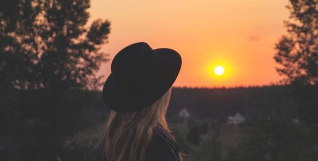 Image result for 越來越喜歡獨處的人,後來自己的生活變成了什麼樣子?