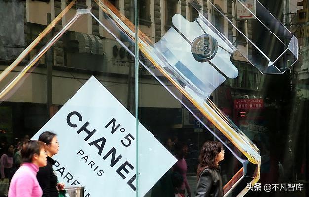 低調的隱形富豪:兄弟倆控製香奈兒品牌,現淨資產高達420億美元
