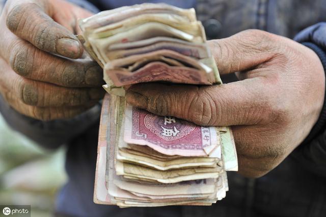 為什麼規矩人掙不了大錢? 原來富人掙錢靠的是這些