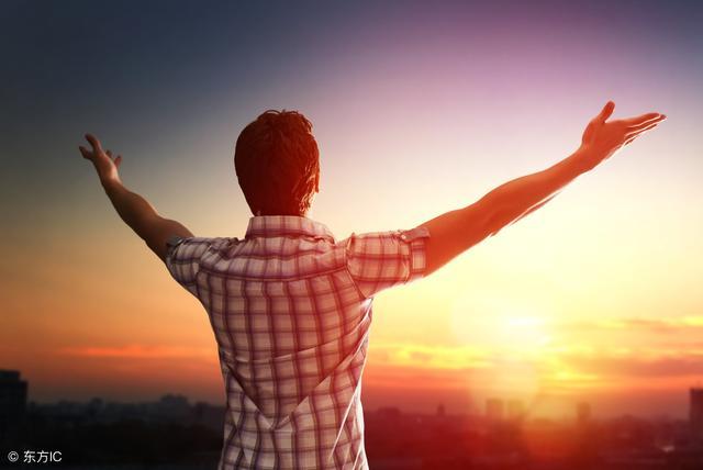 一位40歲的人給你提個醒:人生過半,我才明白這6件事最重要