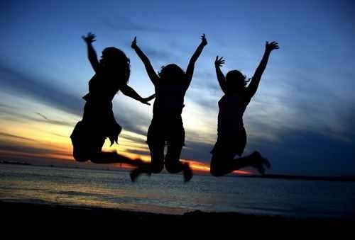 人不狠,站不穩。 一個人,學會了這三種狠,人生中再無難事!