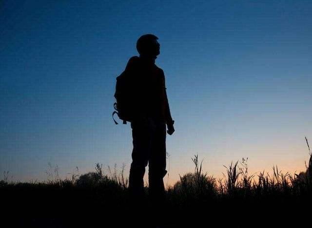 """""""獨來獨往""""的人都是勇敢的孤獨者"""