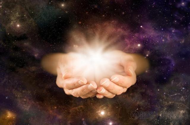 吸引金錢能量的最偉大法則,不是一夜暴富,這是來自宇宙的智慧。