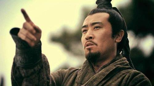 人生不順,看看劉備,他的成功告訴我們:人際圈和手段的重要性
