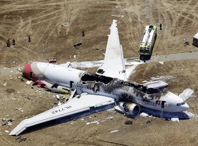 埃航墜機事件:這世上,除了生死,再無大事