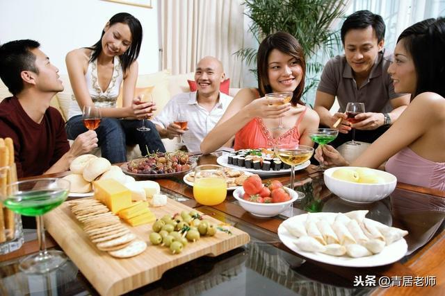 一個人是否值得深交,春節和他一起吃頓飯就知道