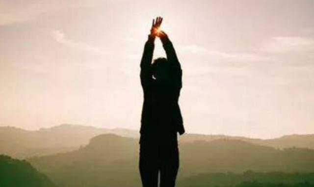 人與人最大的差距,不是出身和背景,而是自律