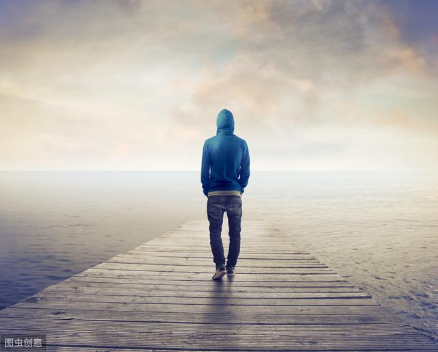 喜歡孤獨的人,久而久之,漸漸擁有這兩種能力