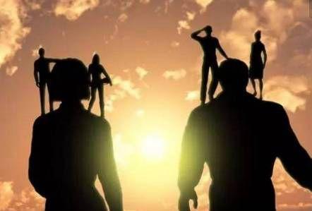 哪怕再窮,也要做不可替代的人,靠體力只能窮一輩子