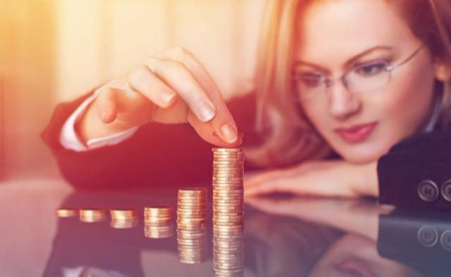 有野心的窮人,沒錢沒人脈時,具備四種理財思維,離成為富人不遠