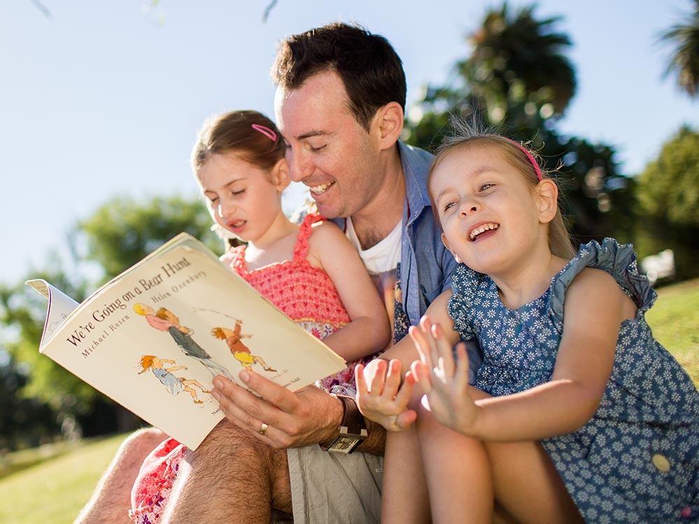 Reading and storytelling with children | Raising Children Network