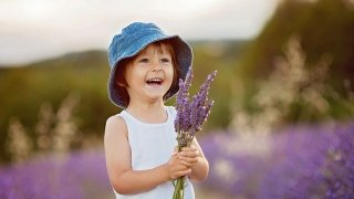 How Aromatherapy Can Help Children | Children's Hospital of ...